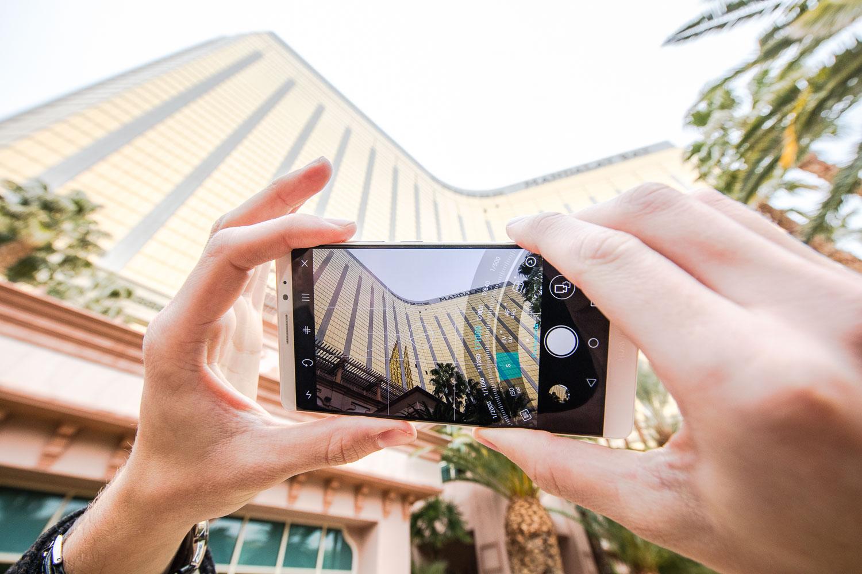 Smartphone Huawei Mate 8 B - Huawei ra mắt Mate 8 tại CES 2016