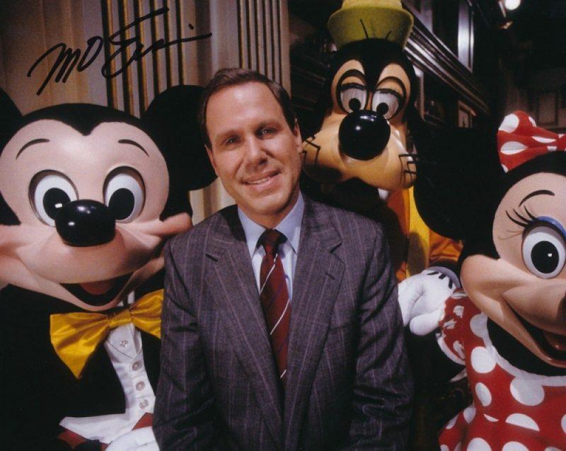 Michael Eisner Signed Disney CEO 8x10 Photo 800x637 - Pixar - Finding Dory và hơn 30 năm hoạt hình 3D