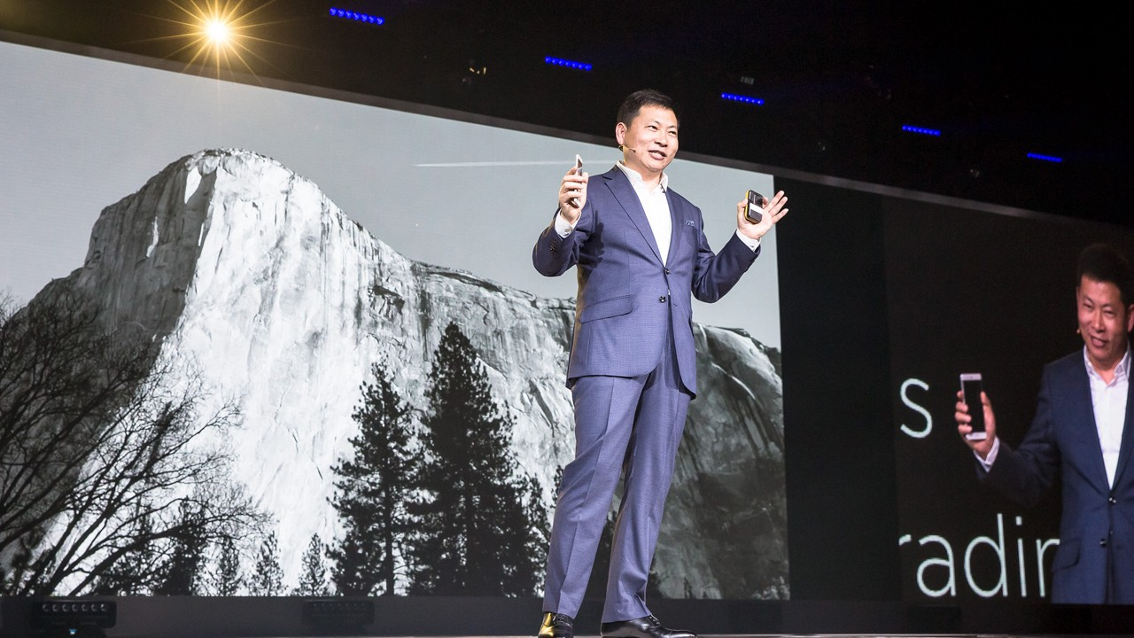 Richard Yu presents P9 in London Apr 2016 1 - Huawei hợp tác Google, Microsot mở rộng kinh doanh tại Mỹ