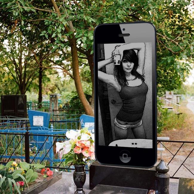 bia mo hinh iphone hut khach tai nga gia ngang ngua 1 chiec iphone 6s 1464602786589 - Ở Nga, bia mộ hình iPhone mới là thời thượng