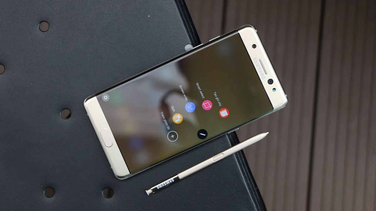 gia galaxy note 7 trainghiemso - FPT Shop: Hơn 5000 đơn hàng đặt mua trước Note 7, vàng gold chiếm ưu thế