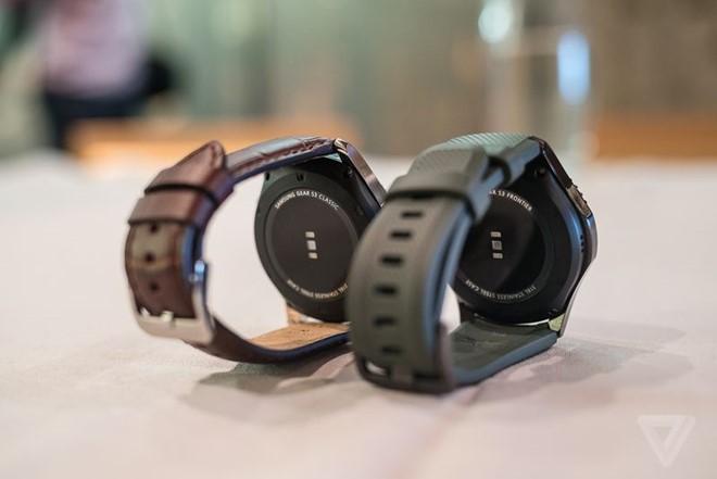 unnamed file 91 - Samsung Gear S3 ra mắt, dày hơn, thêm tính năng