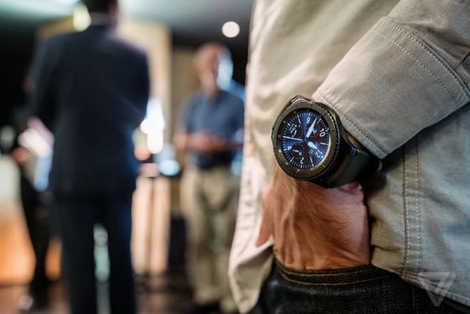 unnamed file 92 - Samsung Gear S3 ra mắt, dày hơn, thêm tính năng