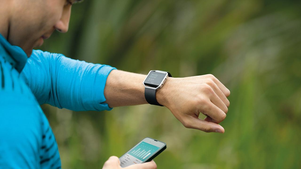 Fitbit Blaze - CES 2017: Thiết bị đeo sẽ thiếu sự đột phá?