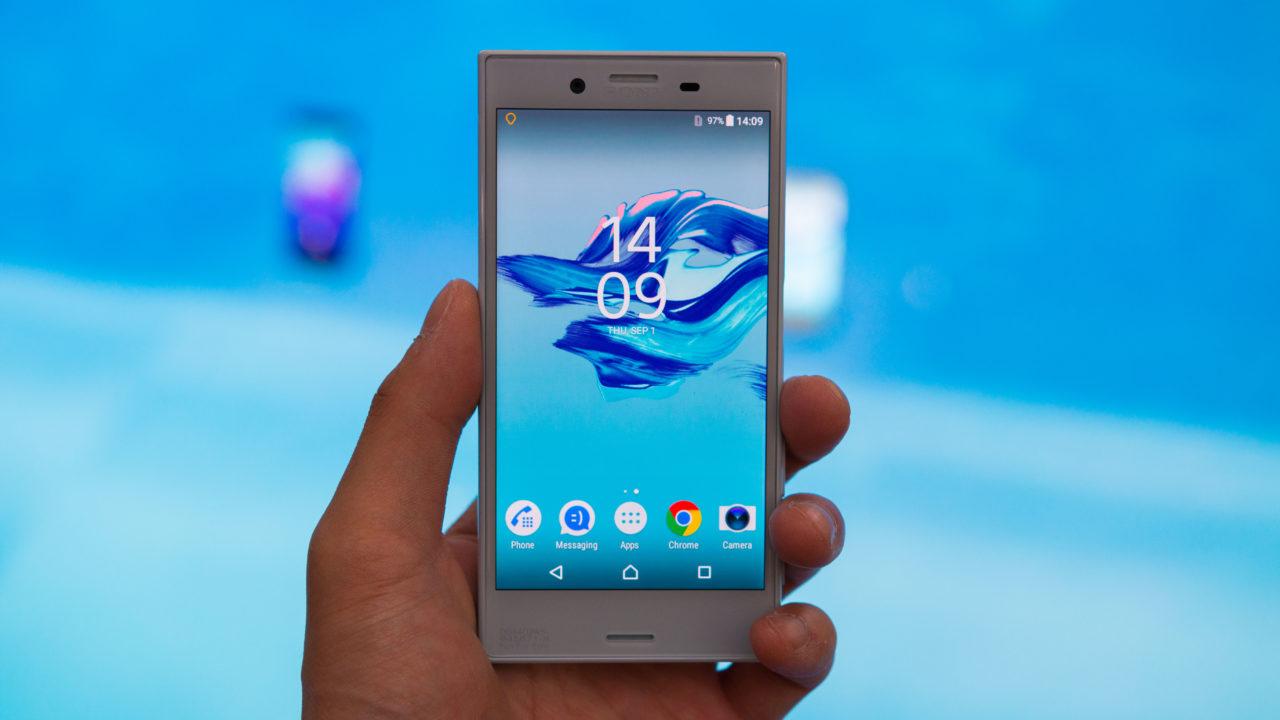 Sony Xperia X Compact Hands On 2 1280x720 - Tổng hợp 5 ứng dụng hay và miễn phí trên Android ngày 12.12.2016