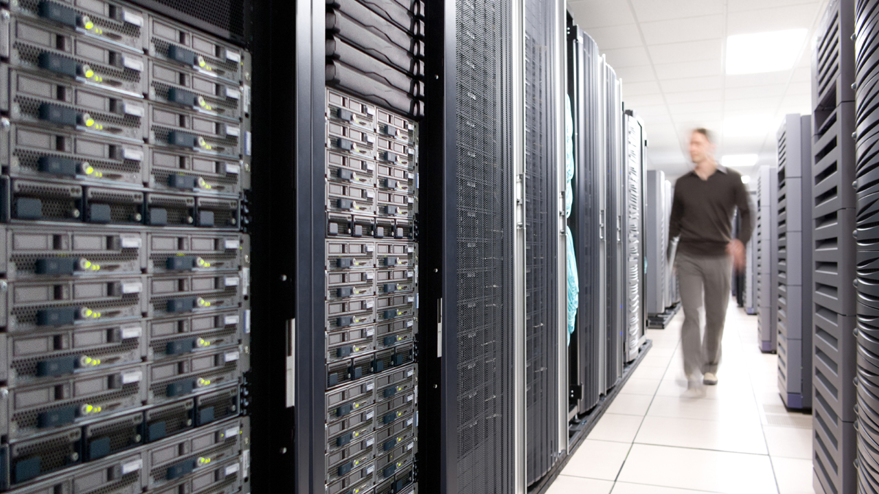 data center - Chuyển đổi kỹ thuật số là trọng tâm trong chiến lược CNTT của doanh nghiệp