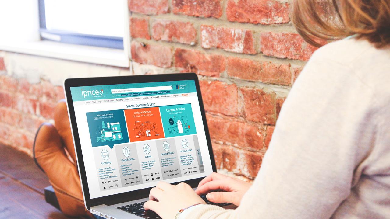 iprice on laptop - iPrice Group huy động được 4 triệu đô la Mỹ vốn đầu tư