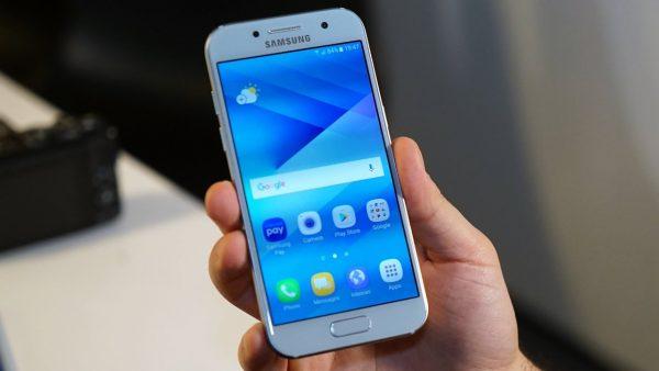 Samsung Galaxy A3 2017: bản rút gọn duyên dáng từ flagship