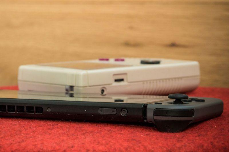nintendo switch 6 800x533 - Kích cỡ của Nintendo Switch qua hình ảnh