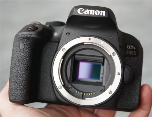 Canon ra mắt máy ảnh DSLR mới - Canon EOS 800D