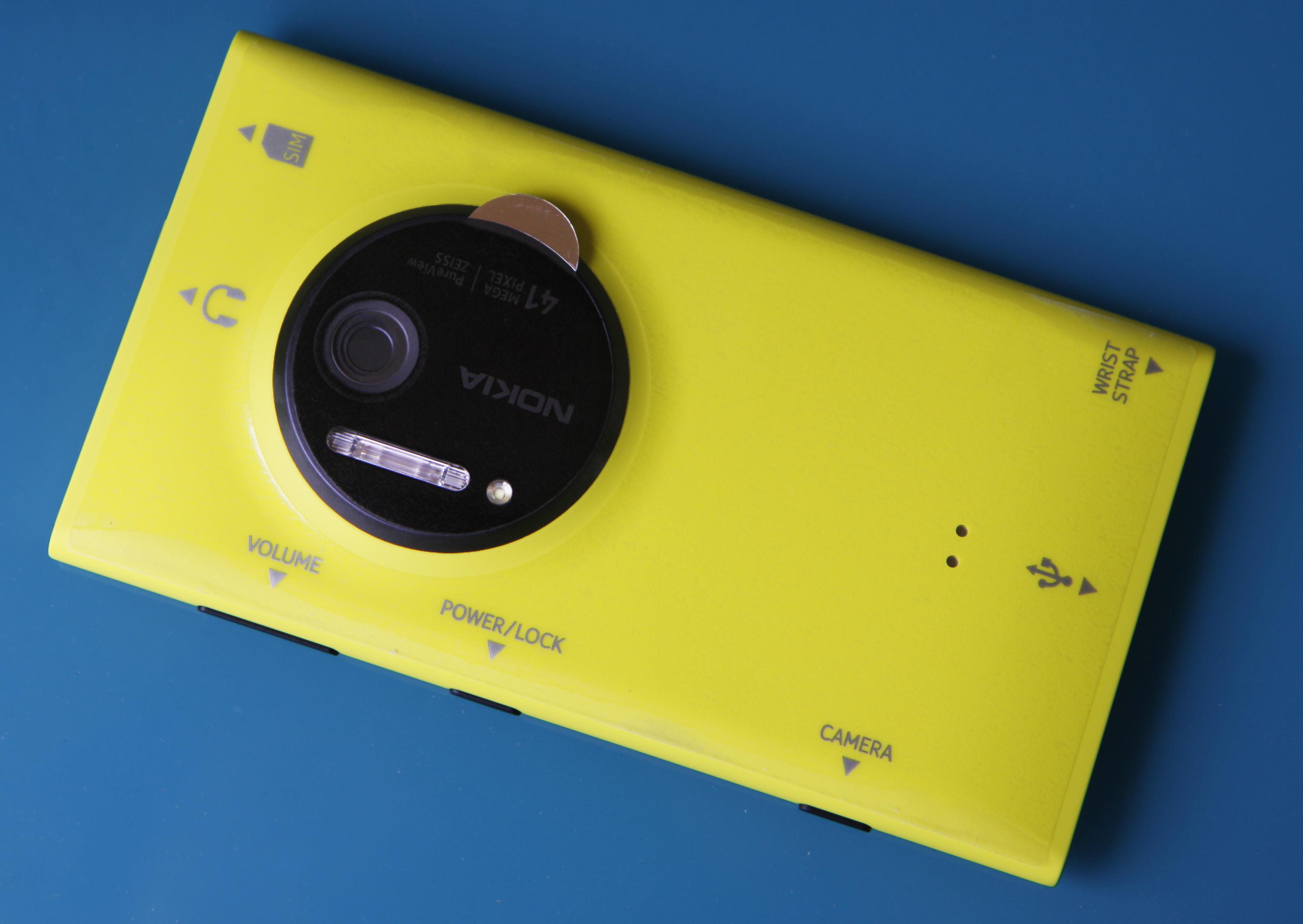 explanatory wrapper - Các sản phẩm tiếp theo của Nokia sẽ không dùng ống kính của Carl Zeiss