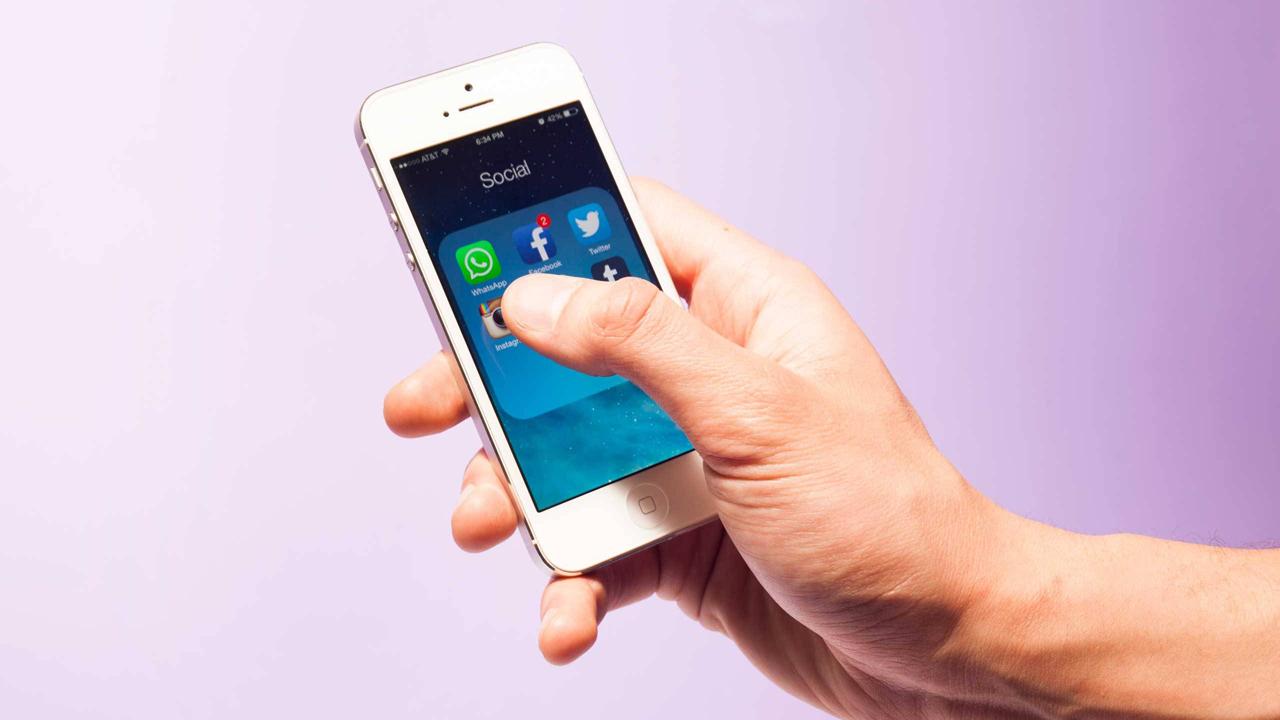 iphone social apps whatsapp - Tổng hợp 11 ứng dụng hay và miễn phí trên iOS ngày 16.3.2017