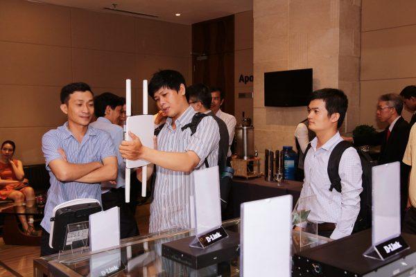 DLink.QDTEK3  600x400 - QD. TEK phân phối nhóm sản phẩm doanh nghiệp của D-Link tại Việt Nam