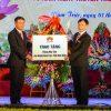 Huawei trao tang may tinh 100x100 - Huawei Việt Nam tặng phòng máy tính cho tỉnh Nam Định