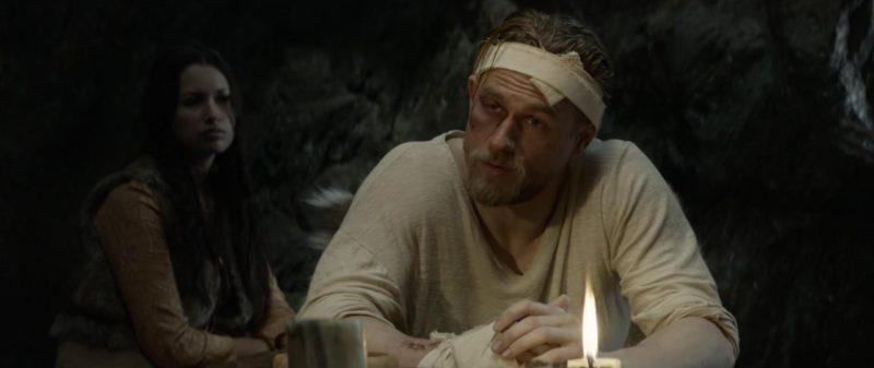 king arthur 5 800x337 - Đánh giá phim King Arthur: Vua Arthur - Vua MMA