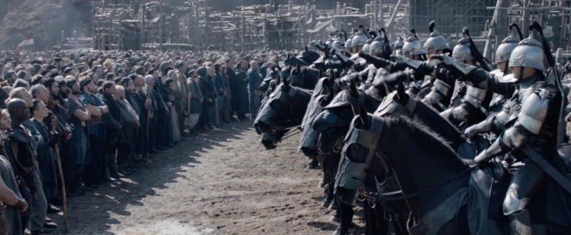king arthur 9 800x330 - Đánh giá phim King Arthur: Vua Arthur - Vua MMA