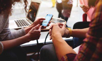 iphone working featured 400x240 - Tổng hợp 8 ứng dụng iOS miễn phí ngày 9.7 trị giá 19USD