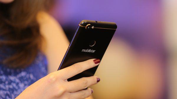 """IMG 5637 600x338 - Mobiistar tung """"vũ khí"""" mới: Prime X Max với 4 camera, màn hình vô cực"""