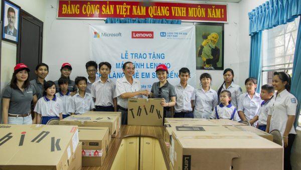 IMG 6130 600x338 - Lenovo và Microsoft tài trợ máy tính cho Làng trẻ em SOS Bến Tre