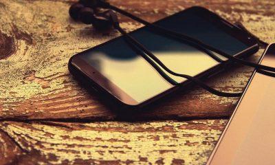 android smartphone 1 featured 400x240 - Tổng hợp 9 ứng dụng Android giảm giá miễn phí ngày 2/1 trị giá 21USD