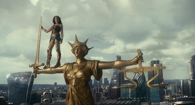 Đánh giá phim Justice League - Liên minh Công lý 11