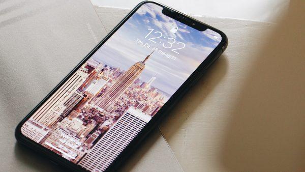 iPhone X 17 600x338 - Đặt trước iPhone X chính hãng, FPT Shop tặng 2 năm bảo hành