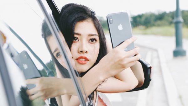 iPhoneX Mau 15 600x338 - Đặt trước iPhone X chính hãng, FPT Shop tặng 2 năm bảo hành