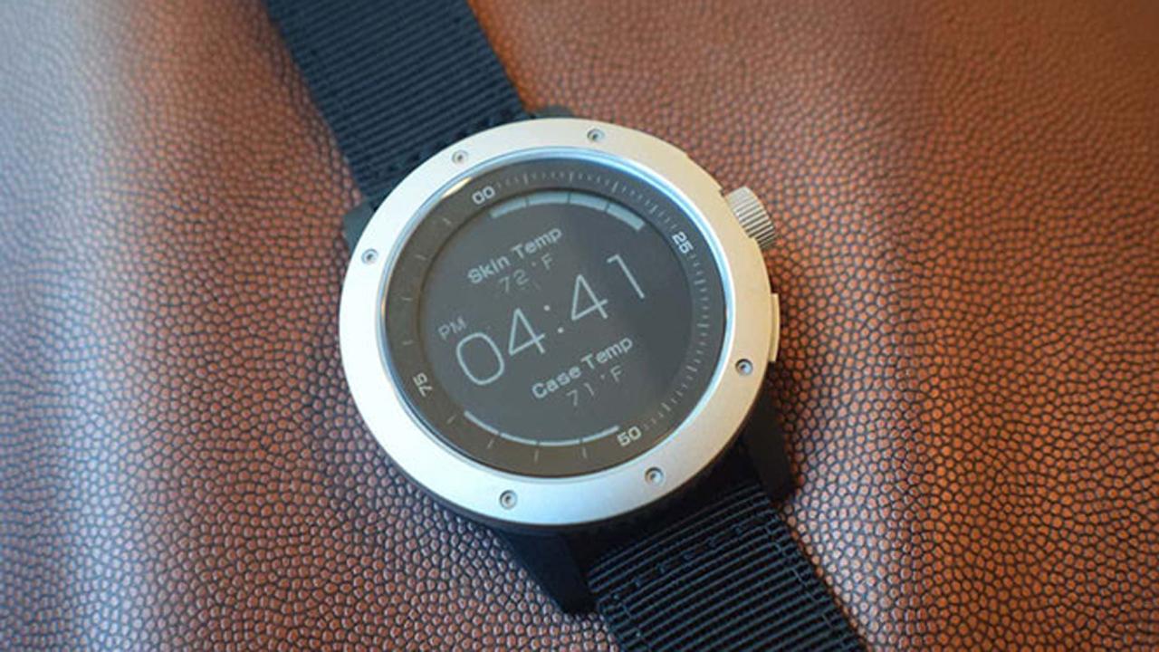 powerwatchx zemx - PowerWatch X - Smartwatch sử dụng nhiệt cơ thể để sạc pin, giá 250USD