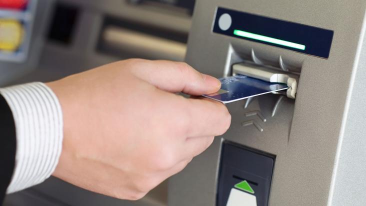 ATM - Nhiều tài khoản ngân hàng bỗng dưng mất tiền trong đêm 26 Tết