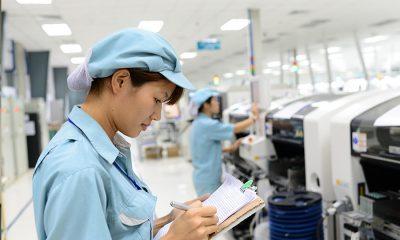 Công đoạn kiểm tra ghi nhật kí công việc luôn được làm kĩ lưỡng 1 400x240 - Qualcomm, Viettel hợp tác thúc đẩy phát triển thiết bị 3G/4G tại Việt Nam