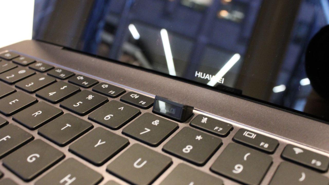 huawei matebook x pro laptop featured - BlackBerry Ghost: điện thoại cao cấp, không viền bezel, dành cho thị trường Ấn Độ?
