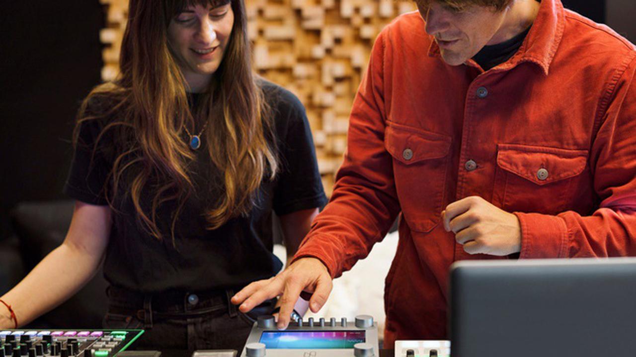 Nsynth Super - NSynth Super: thuật toán máy học sáng tác nhạc dựa trên AI
