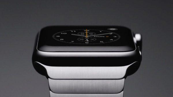 apple watch closeup 004 15221795885291239952783 600x336 - Apple Watch Series 4 với màn hình lớn hơn dự kiến trình làng trong 2018