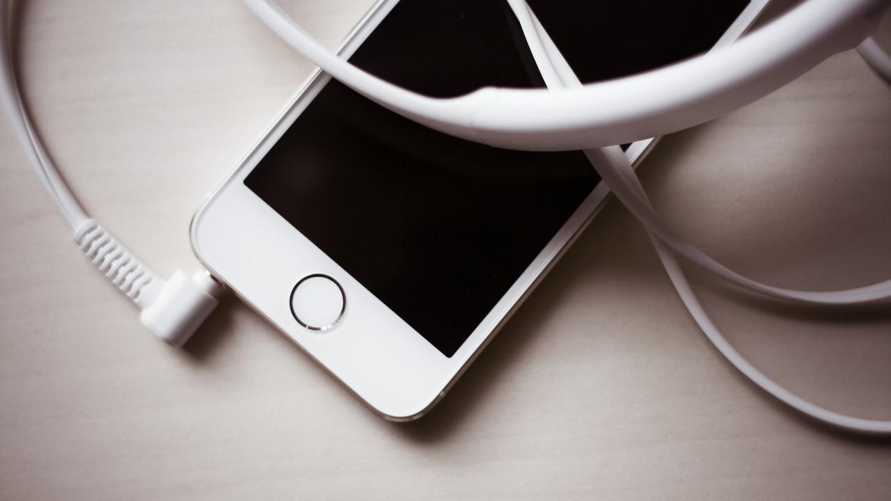 iphone 5s featured 1 - Tổng hợp 9 ứng dụng iOS đang miễn phí ngày 22/4 trị giá 370.000đ