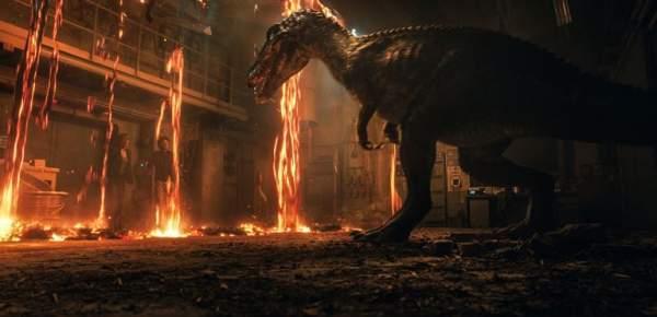 jurassic world fallen kingdom screen 2 600x290 - Đánh giá phim Thế giới khủng long: Vương quốc sụp đổ