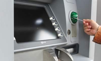 atm 1524870 1920 8220223 400x240 - Từ 15/7, phí rút tiền ATM nội mạng Vietcombank là 1.650 đồng