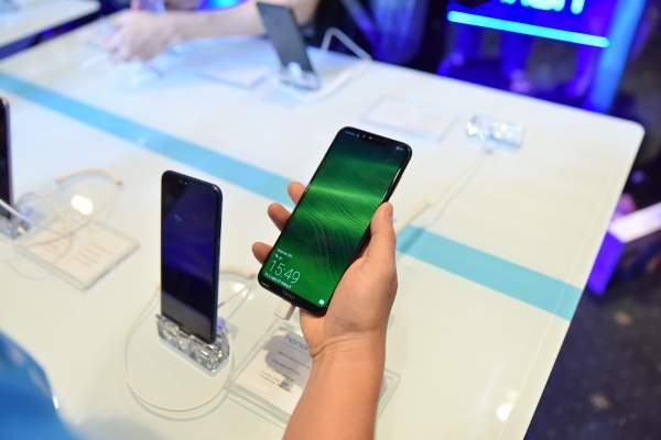 DSC 0350 600x400 - Honor Play – điện thoại dành cho game thủ, giá 6,99 triệu đồng