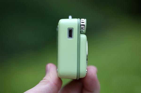 Xiaomi Elvis Presley Atomic Player B612 side - Elvis Presley Atomic Player B612: chiếc loa bluetooth có thiết kế độc đáo