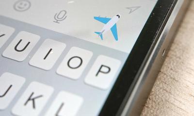 facebook airplane mode featured 400x240 - Cách tạo biểu tượng cảm xúc máy bay và lửa trên Facebook
