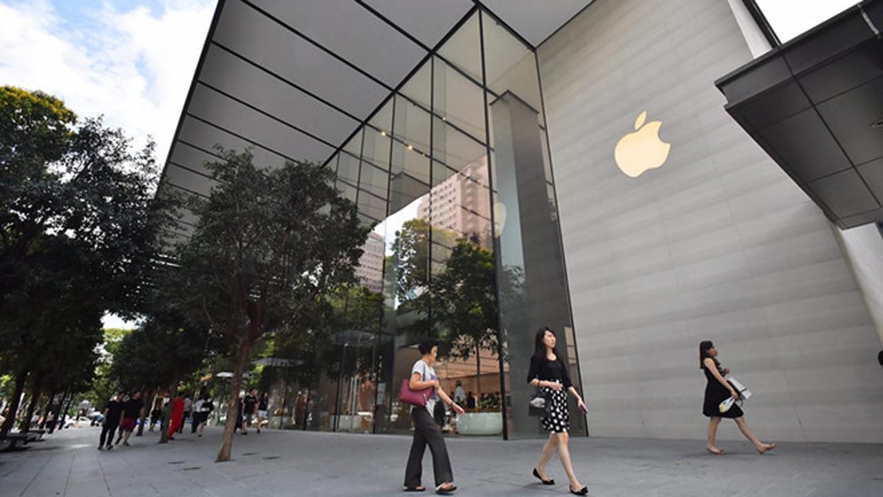 Gom iPhone xách tay từ Singapore ngày càng khó, vì sao?