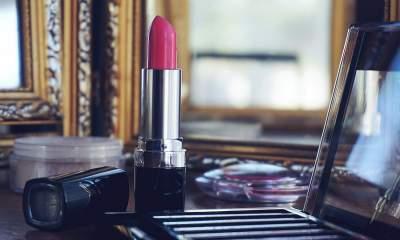 makeup featured 400x240 - Hai ứng dụng dạy trang điểm trên Windows 10