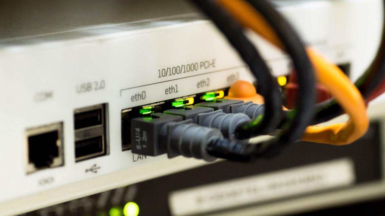 internet problem featured - Cách sửa lỗi ứng dụng không kết nối được internet trên Windows 10 build 1803