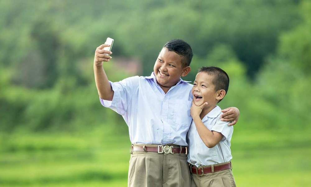 iphone camera 2 featured 1000x600 - Đã có cách tra cứu thuê bao chuyển mạng giữ số