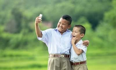 iphone camera 2 featured 400x240 - Đã có cách tra cứu thuê bao chuyển mạng giữ số