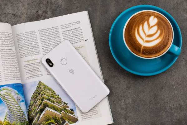 3.Vsmart Joy1 1 600x401 - Smartphone 2 triệu đồng cho học sinh, sinh viên: Vsmart Joy 1 16GB hay Redmi 7A?