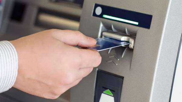 atm skimming dymn 600x338 - Làm sao để không mất cắp thông tin thẻ tại máy ATM?