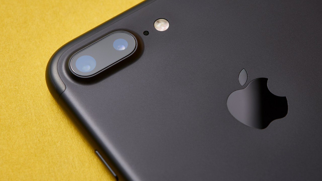 iphone 7 plus featured - Apple phát hành iOS 12.4 beta 2