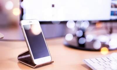 iphone hand 3 featured 400x240 - 12 ứng dụng và game iOS mới, giảm giá miễn phí ngày 11/12/2018