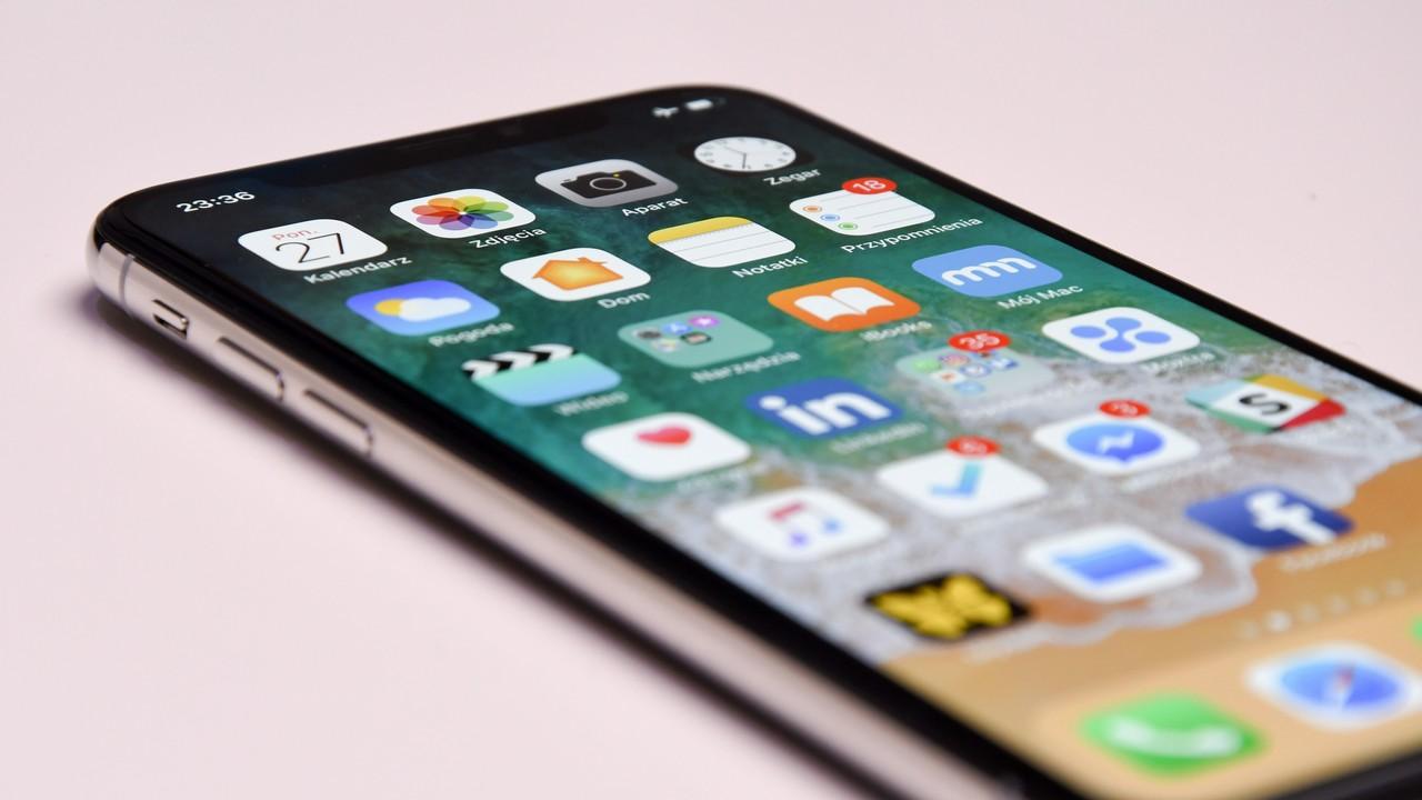 iphone touch 3 featured - Apple chính thức phát hành iOS 12.1.1