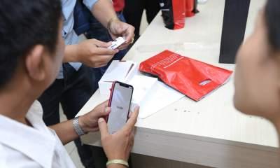 FPTShop iPhoneXS MoBan 31 400x240 - Giá iPhone giảm sốc, cơ hội cho người dùng